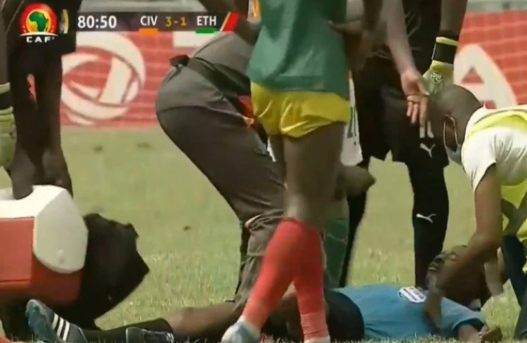 BREAKING NEWS: Ghanaian referee, Charles Bulu collapses while officiating 2021 AFCON qualifier