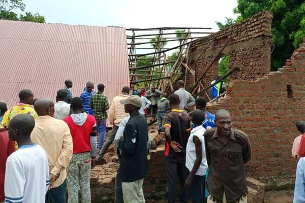 Collapse of Chruch building leaves 2 dead and 8 seriously injured – Photos