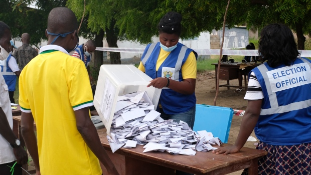 You'll be paid by April 30 – EC to unpaid Field Operatives