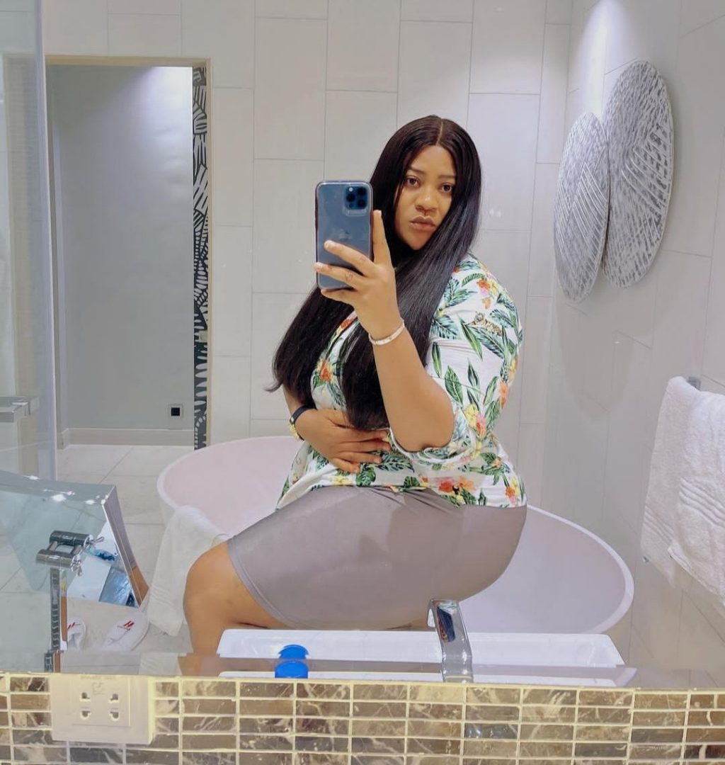 Nkechi Blessing discloses how her own friends are proposing love to the husband in his DMs