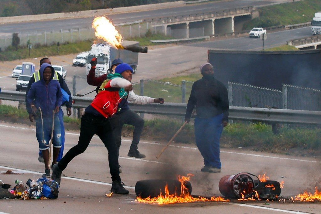 Zuma Protest: South Africans engage in Nationwide cleanup exercise after unrest