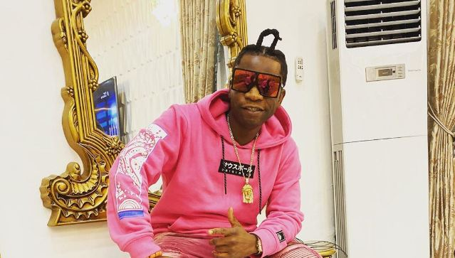 Speed Darlington wildly alleges that custom officers have looted everything inside his Benz that landed in Lagos (Video)