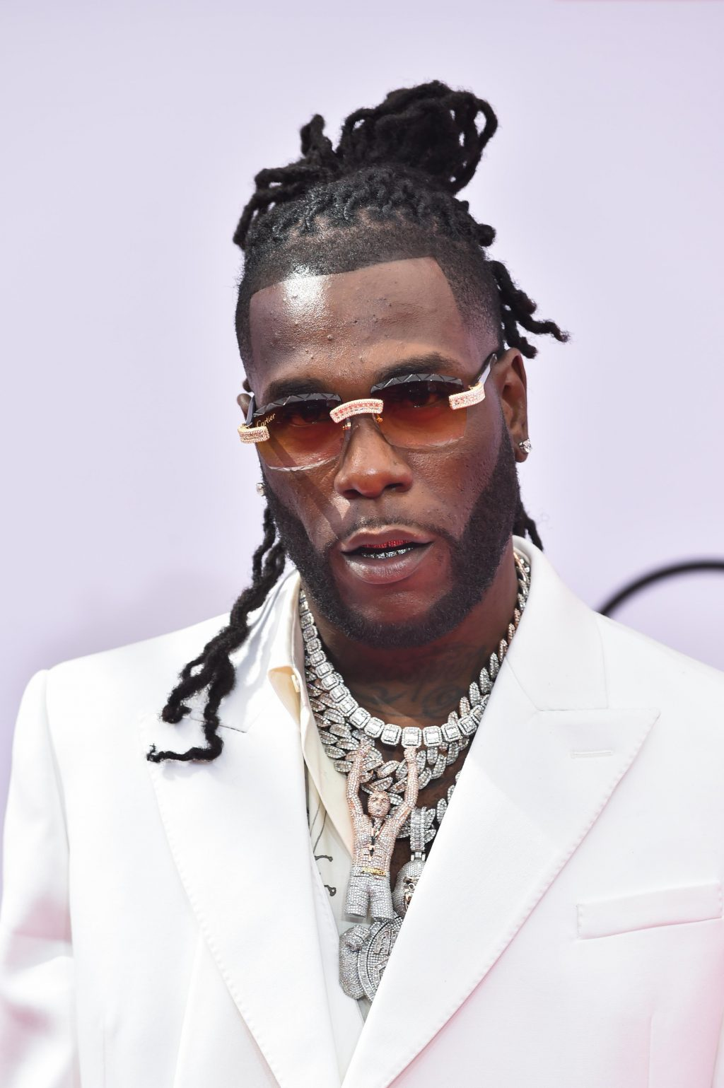 African Giant, Burna Boy purchases a piece of expensive an-all diamond jewellery worth thousands of dollars